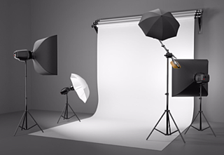 elementos-fotografo-sombrilla-reflectora-monitor-para-fotografia.png