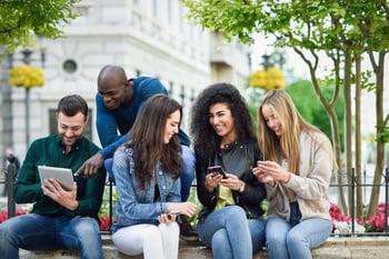 geracao z conectada com smartphones
