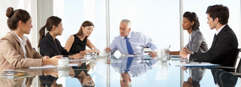 ¿Cómo una pantalla interactiva puede mejorar tus reuniones?