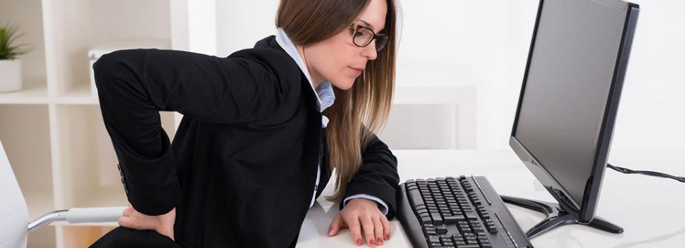 Postura correcta para trabajar frente a tu monitor